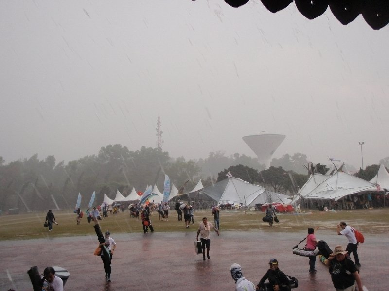 Rain's no excuse for not flying - yeah right! Pasir Gudang 2012